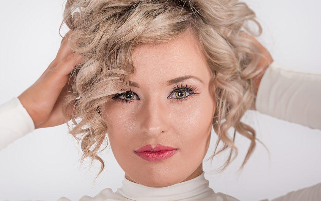 Conseils d'accessoires de mode pour les cheveux